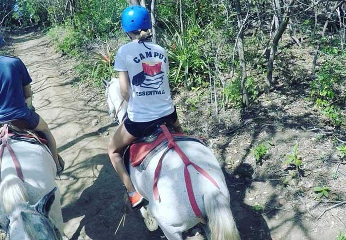 campus-essentials-horse-riding